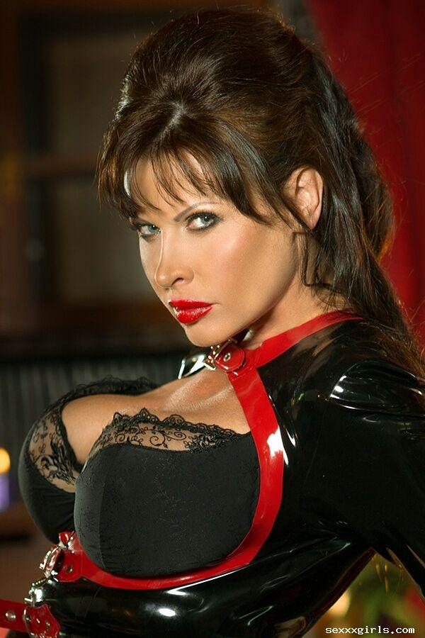 Susann dela Vega