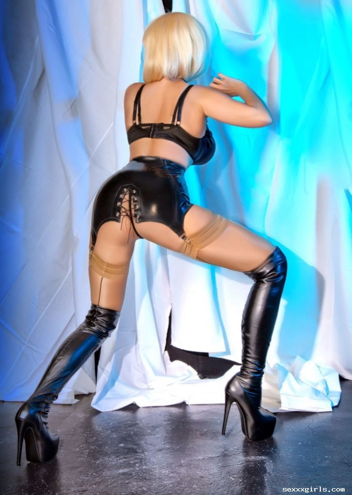 Nadine Sixx